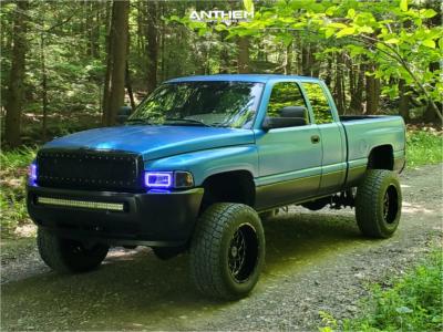 "2000 Dodge Ram 2500 - 20x12 -44mm - Anthem Off-Road Avenger - Suspension Lift 5"" - 35"" x 12.5"""