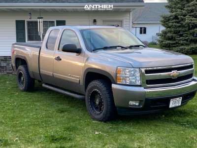 2007 Chevrolet Silverado 1500 - 17x9 -12mm - Anthem Off-Road Rogue - Stock Suspension - 265/70R17
