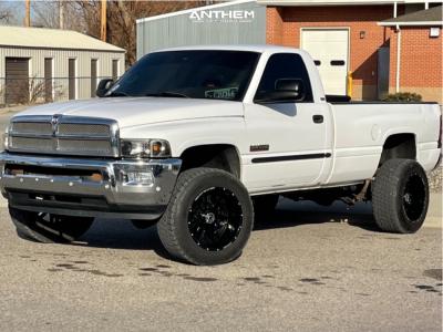 """2001 Dodge Ram 2500 - 20x12 -44mm - Anthem Off-Road Equalizer - Stock Suspension - 33"""" x 12.5"""""""