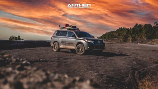 2012 Toyota Highlander - 17x8.5 0mm - Anthem Off-Road Viper - Leveling Kit - 265/70R17