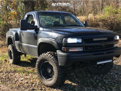 "2000 Chevrolet Silverado 1500 - 18x10 -24mm - Anthem Off-Road Enforcer - Suspension Lift 6"" - 305/70R18"