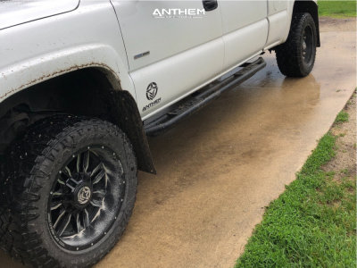 """2006 GMC Sierra 2500 HD Classic - 20x10 -24mm - Anthem Off-Road Equalizer - Stock Suspension - 33"""" x 12.5"""""""