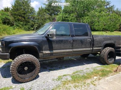 """1999 Chevrolet K2500 - 22x14 -76mm - Anthem Off-Road Equalizer - Suspension Lift 6"""" - 375/45R22"""
