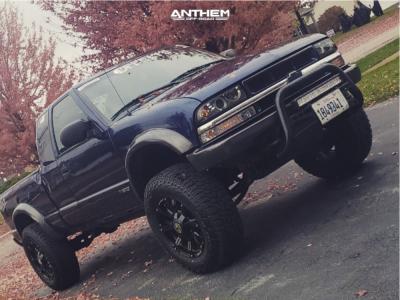 "2003 Chevrolet S10 - 18x9 -12mm - Anthem Off-Road Defender - Suspension Lift 2.5"" - 285/65R18"