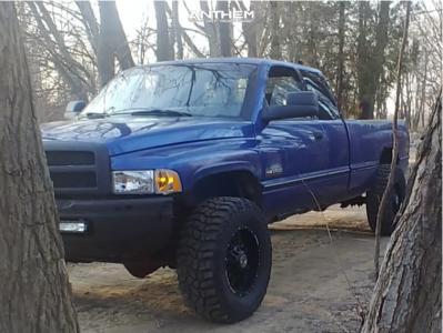 1997 Dodge Ram 2500 - 18x9 -12mm - Anthem Off-Road Equalizer - Stock Suspension - 325/65R18