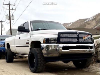 """2002 Dodge Ram 2500 - 20x12 -44mm - Anthem Off-Road Equalizer - Stock Suspension - 33"""" x 12.5"""""""