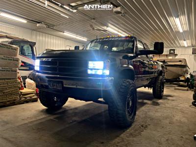 "1992 Dodge Dakota - 17x9 0mm - Anthem Off-Road Instigator - Suspension Lift 3"" - 285/70R17"